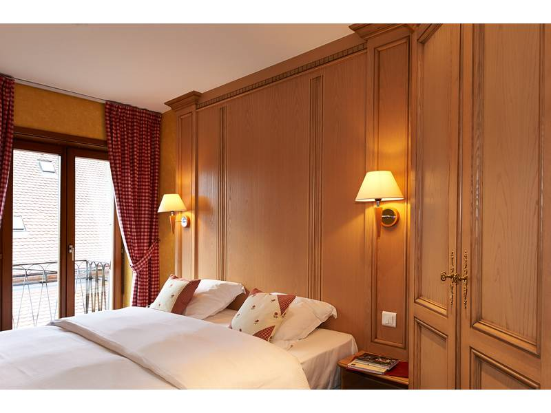 rates and availability h 244 tel au chasseur