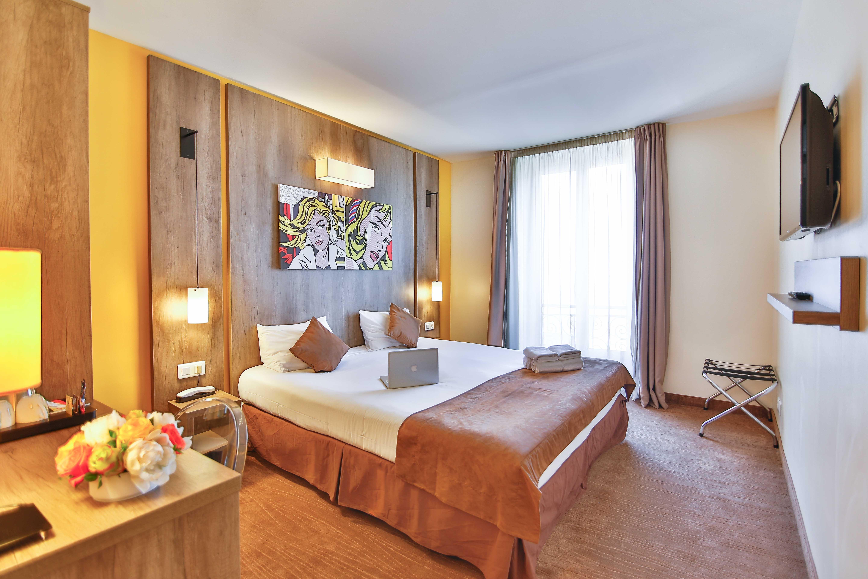 Qualys Hotel Nice Centre Le Seize Hotel 3 Toiles Provence # Meuble Tv Sonorise
